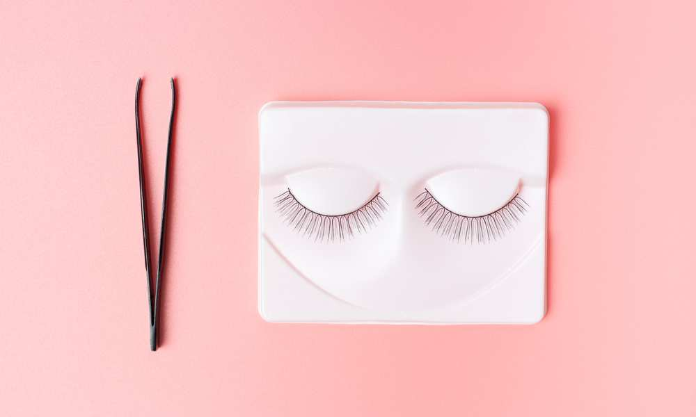 How To Apply Lash Strips