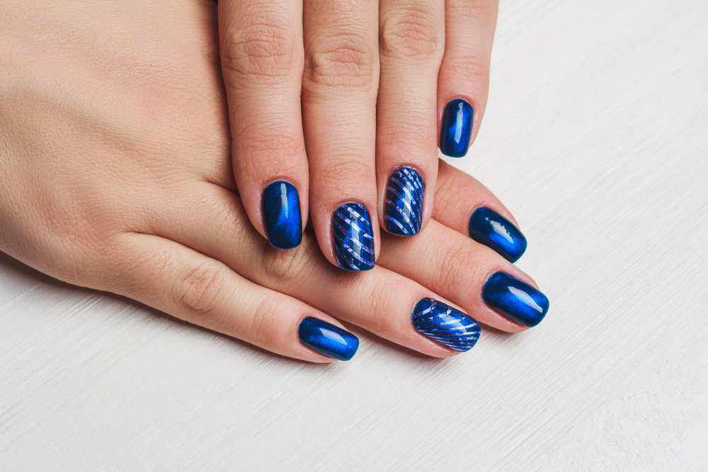Lav What Color Nail Polish With Navy Blue Dress
